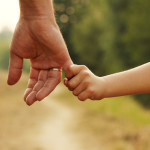 Peganglah Tangan Bapa, Ia akan Buka Jalan