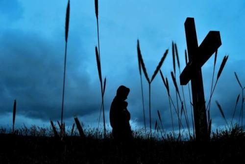 Memikul Salib