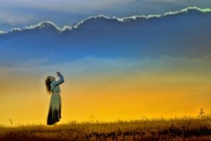 Ketika Tuhan Tampak Jauh