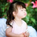 Memeluk Keluarga dengan Doa