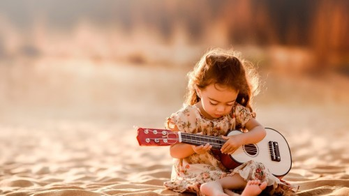 cute-little-girl-playing-guitar-1920x1080-wallpaper-15511
